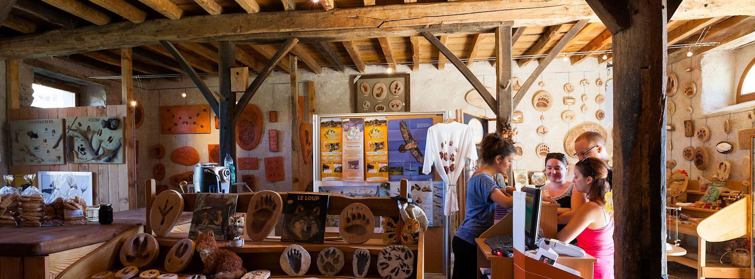 Boutique Au Pays des Traces - Pyrénées Ariégeoises - Photo © Pays des Traces